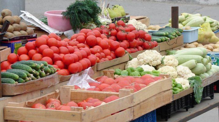 В Пятигорске торговцы-нелегалы пытались сбыть тонну сомнительных продуктов