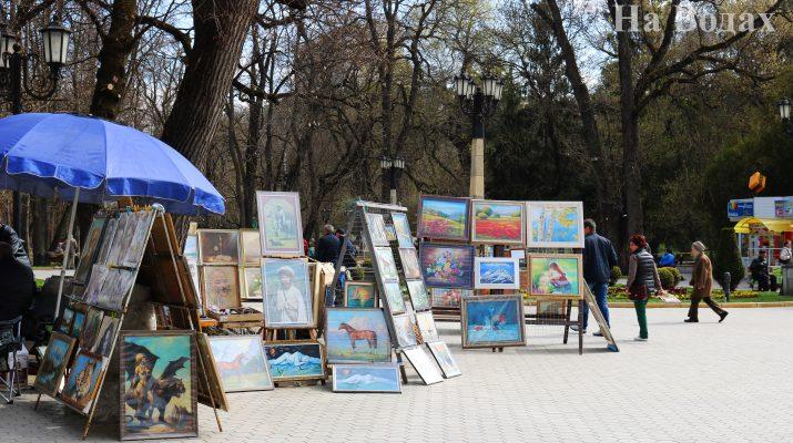 Ах, вернисаж! Что ожидает выставку картин в районе Колоннады?