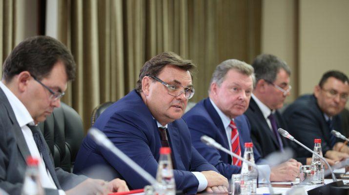 В Пятигорске при участии помощника Президента состоялось совещание по вопросам ликвидации последствий паводка на Ставрополье