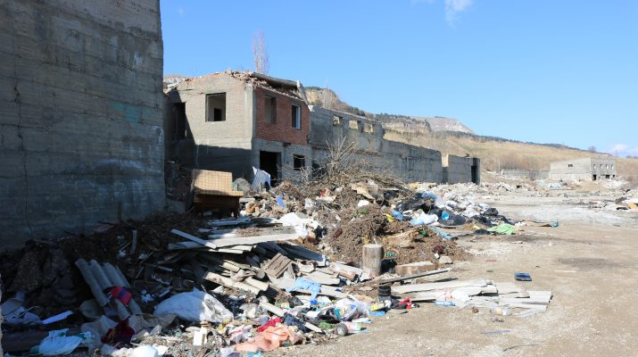 С несанкционированной свалки на Новом озере в Кисловодске вывезли 300 тонн отходов