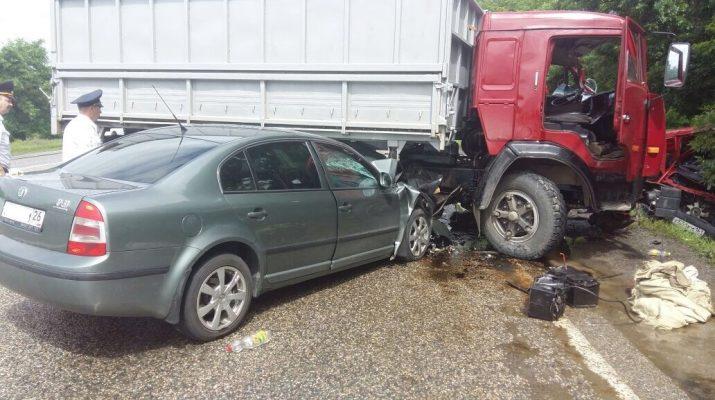 На трассе «Кавказ» произошло ДТП: два человека погибли