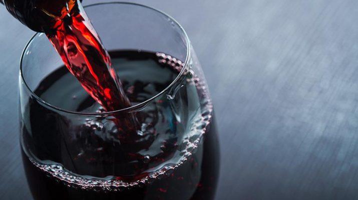 На Ставрополье сотрудники винзавода украли 20 коробок вина