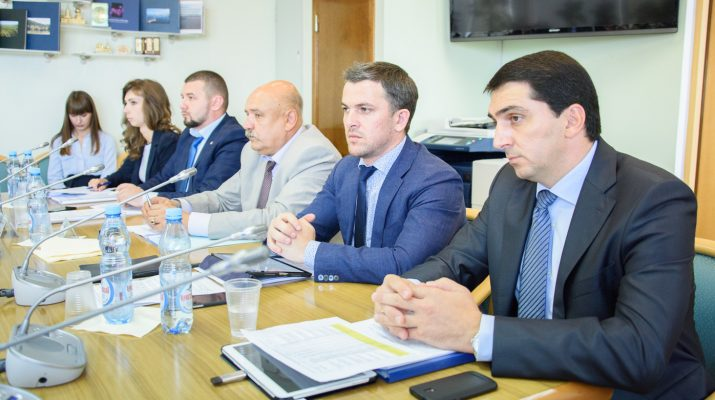 """В Госдуме обсудили реализацию государственной программы """"Развитие СКФО"""" до 2025 года"""