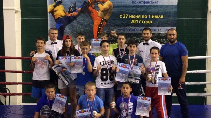 Юные кисловодчане стали призерами Всероссийского турнира по кикбоксингу