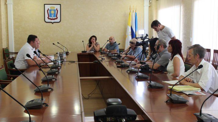 Глава Кисловодска провел пресс-конференцию