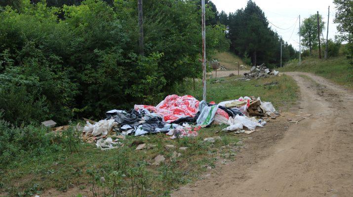 В Кисловодске две беды: мусор и дороги