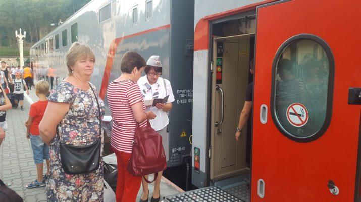 Из Кисловодска в Москву начал курсировать инновационный двухэтажный поезд